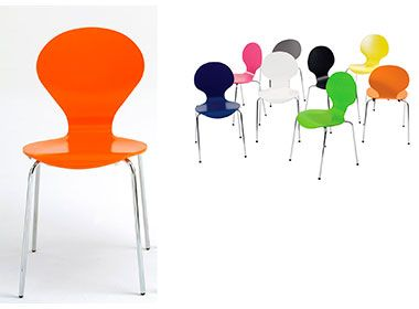 Butterfly chairs with coloured shells