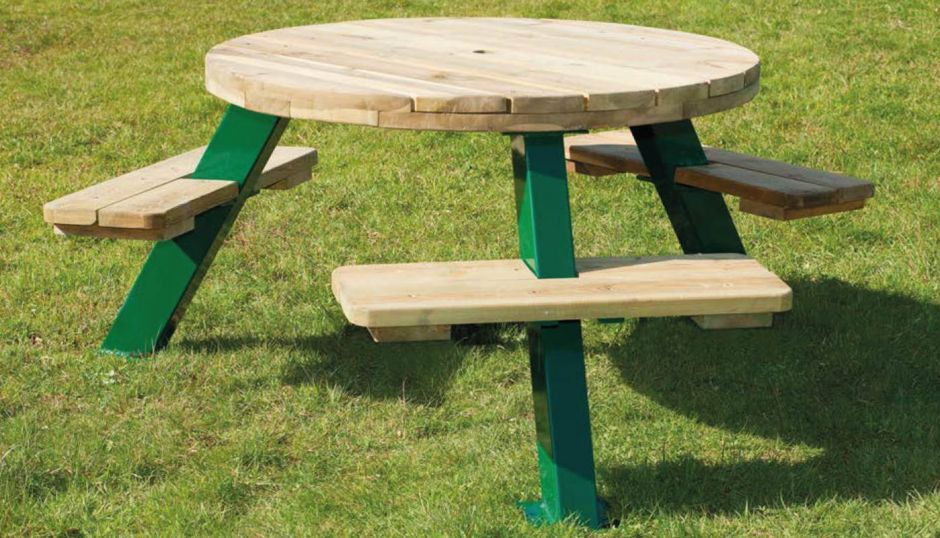Belfast Six Seater Round Picnic Table Cafe Reality