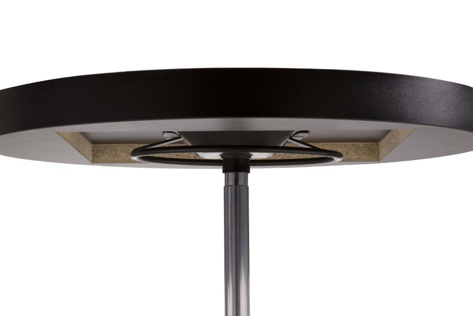 Heigh adjustable c afe tables cafe reality for Table up down extensible