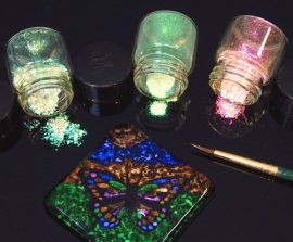 Dichroic Extract - Green / Magenta (1/8 Sheet equivalent)