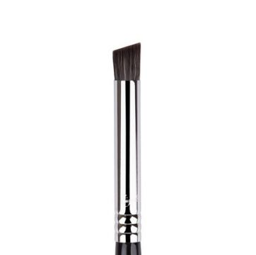 Sigma F66 Angled Buff Concealer Brush