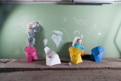 Flux Folding Junior Chairs Mood Shot