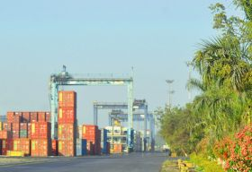 Lockdowns continue container congestion