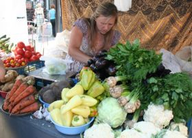 Imports tumble in unstable Ukraine