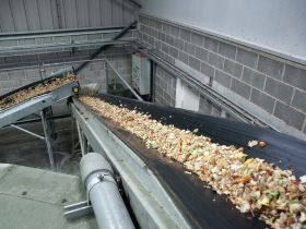 Industry urged to halve food waste by 2030
