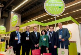 Greek kiwifruit makes inroads in Canada