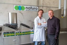 Naturo solution stops avocado browning