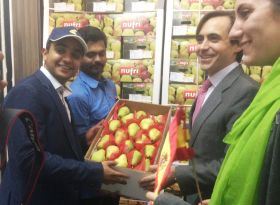 Spanish pears debut in India