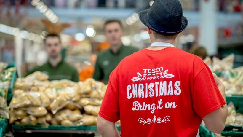Retailers bank on busy Christmas