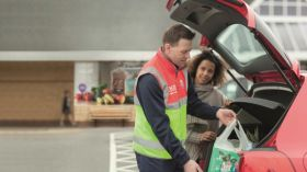 Tesco extends click and collect service