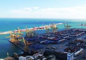 Spanish port workers postpone strike