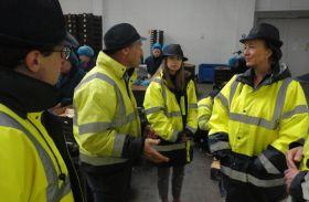 Defra minister visits Kent fruit farm