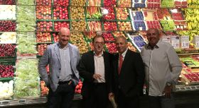 Catalan flat peaches to feature in Edeka campaign