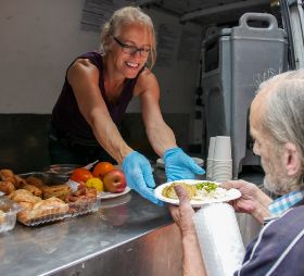 Aldi trials food donations with Neighbourly