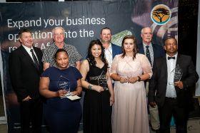 SA honours raisin champions