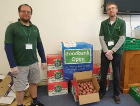 Puffin Produce supports local food bank
