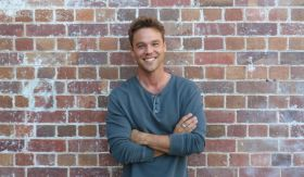 Australian Organic team up with Lincoln Lewis