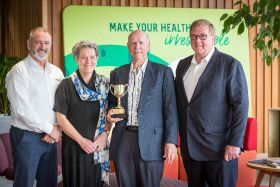 Russell Lowe recognised for red kiwifruit