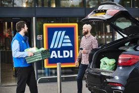 Aldi extends click-and-collect trial