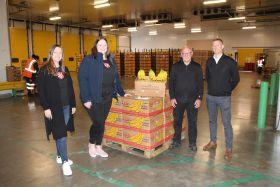 MG and Dole donate bananas