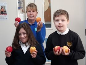 British apples in focus for Kids Country