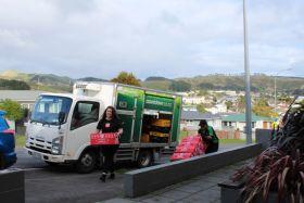 New Zealand kiwifruit growers join foodbank drive