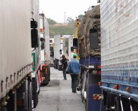 Peruvian truckers' strike ends
