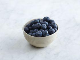 Health tips kick off UK blueberry season