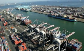 Port of LA clamps down on emissions