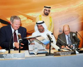 Emirates signs mammoth Boeing deal