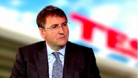 Tesco suffers fall in annual profits