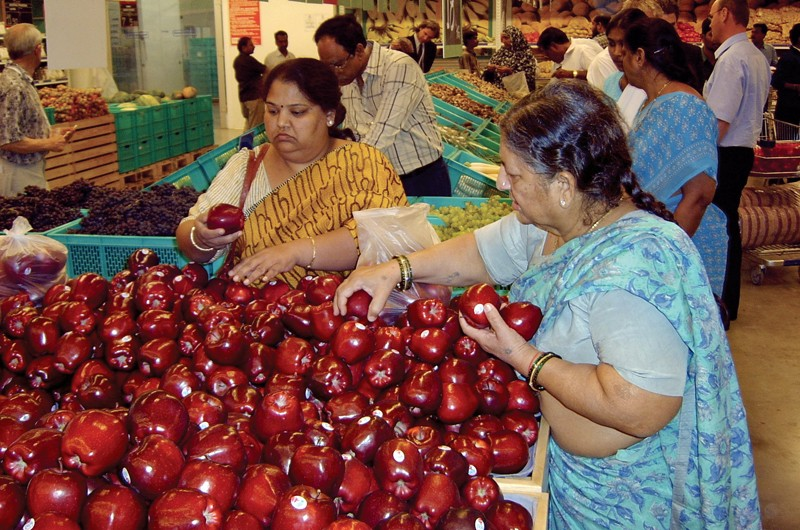 India's retailers lose $2 2bn in FY14