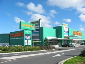 Woolies ditches plastic bags in NZ