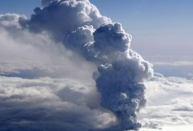 Ash cloud restricts Asia-US airfreight