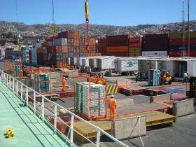 Chilean customs workers call indefinite strike