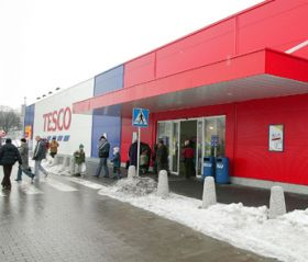 Tesco moves for Czech stores
