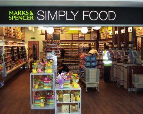 "M&S ""halts food decline"""