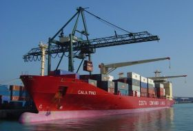 Spanish stevedores defer strike action