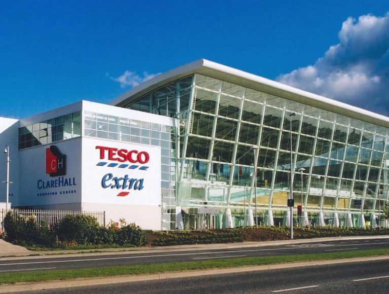 Tesco sales growth continues as Booker deal boosts prospects