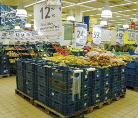 Click and collect opens to Czechs