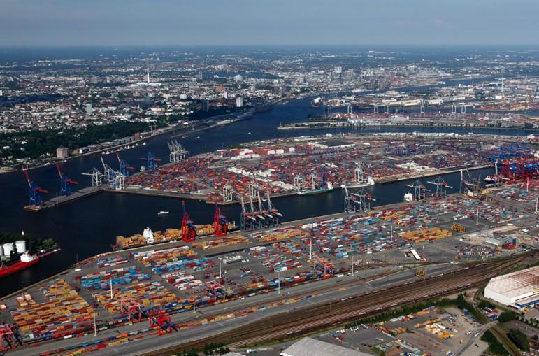 Northe Hamburg port of hamburg grows ahead of range
