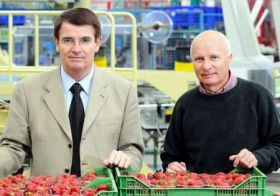 Strong winter prices boost Apofruit results