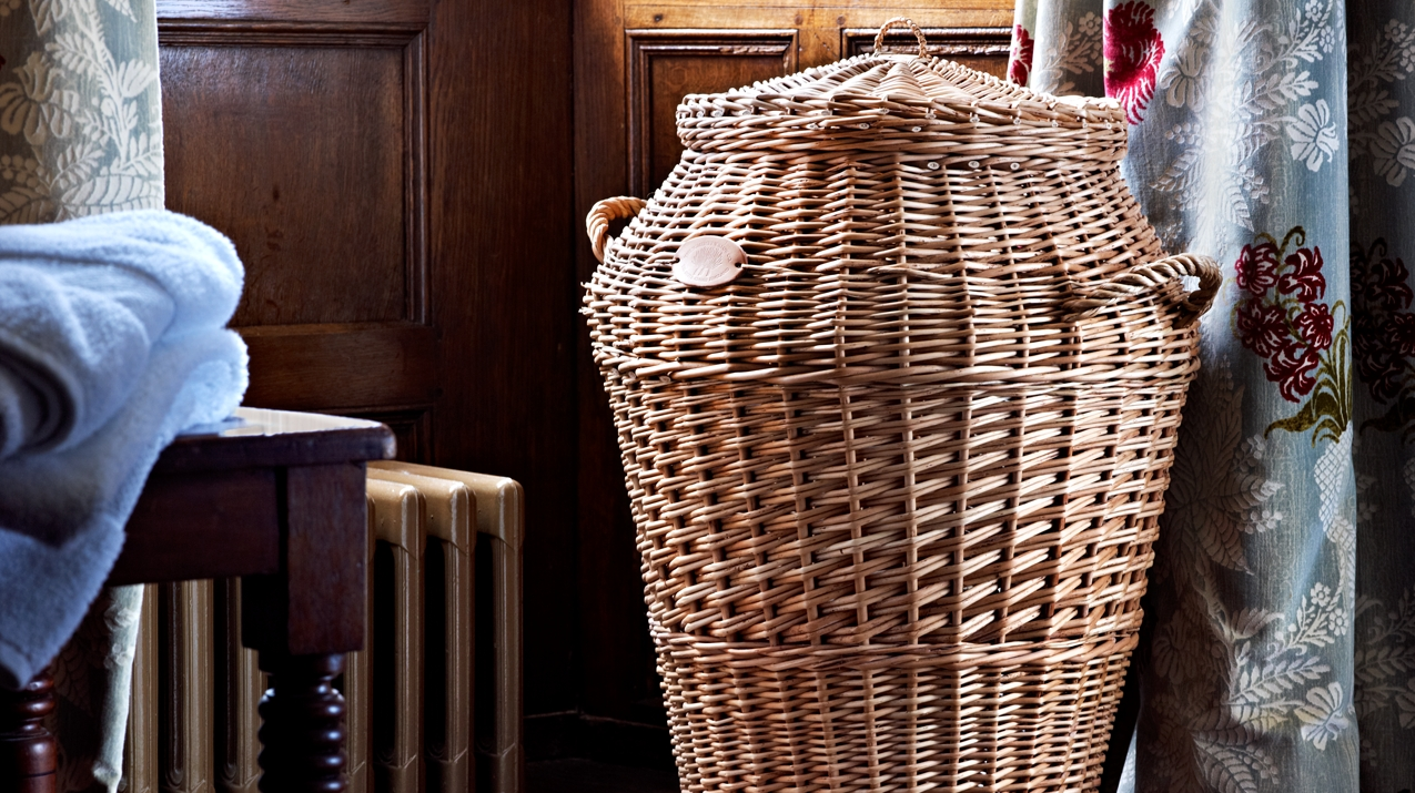 Willow laundry basket with calico liner