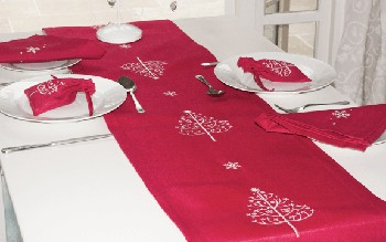 Christmas Table Runner Uk.Table Runner New 650 Table Runners Christmas Uk